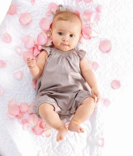 Nouvelles images de bébé fille